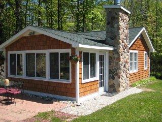 Comfy cottage 600ft WF near Charlevoix
