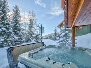 Ski-in, Ski-out Duplex, 1800 sf 3 bed + den, Sleeps 12, Hot Tub. Great Location.