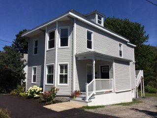 Charming 2BR, Block from sandy beach and friendly Willard Square