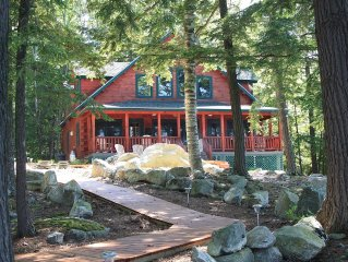 Perfect Family Retreat!  'Rustic Luxury' log cabin is a slice of paradise!