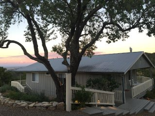 Serene Retreat With Lofty 50 Mile Views Of Paso Robles Wine Country.