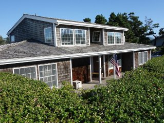 Charming Gearhart Beach House-Sleeps 8, Steps to Beach & Golf