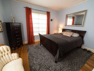 Rockridge Family Friendly Home -  Hot Tub, Home Theater, Walk to College Ave