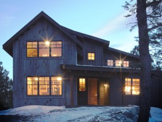 Mountain Retreat Home On 40 Private Acres - Abuts Rocky Mountain National Par
