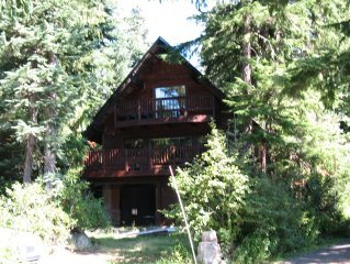 * Beautiful Chalet & Location - Walk to Skiing & Govt Camp! *