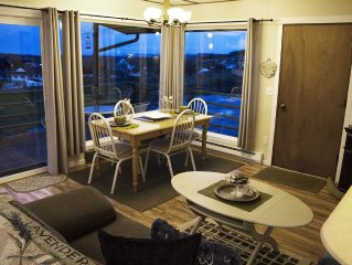 Now Taking August & Fall Reservations  - Sequim - Charming Cottage Farm Setting