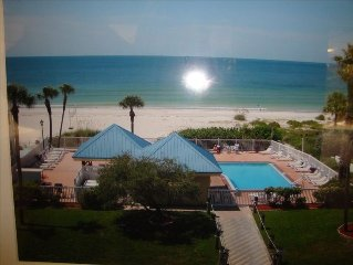 Ready for a Vacation!  Sleepy Sea Turtle 2 BR/2BA Beachfront Condo for Rent!!