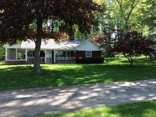 Quiet Hutchins Lake Cottage W/ Private Dock, Screened In Porch Near Boat Launch