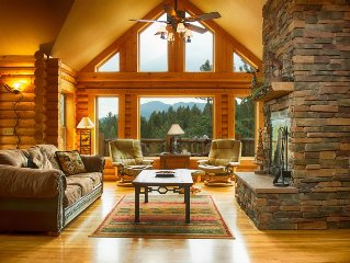 Luxury Log Cabin w/Pikes Peak Views Perfect for families