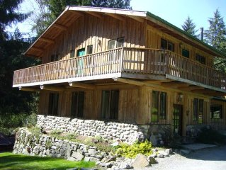 Beautiful, private rustic lodge located in Bow WA