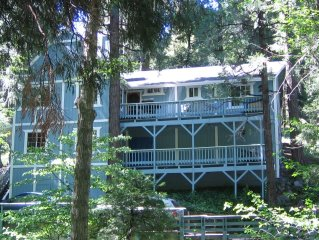 Family Friendly Cabin 3 Br & Loft Sleeps 8