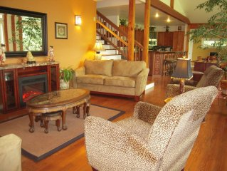Beautiful and Luxurious Custom Green Home on the Applegate River