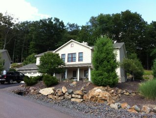 Lake Harmony/Big Boulder Mountain House with lots of benefits!