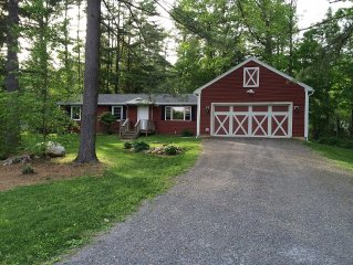Great Barrington Summer Lake Retreat! Close to Downtown!