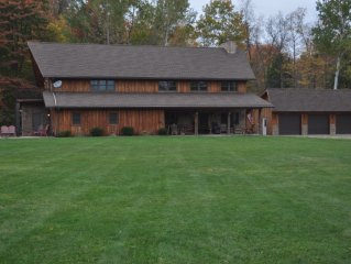 Year Round Fun!! Family gatherings,  snowmobiling, biking, boating....private!