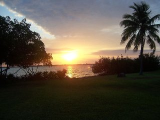 Ocean Front Access - Sunrise View - Fishing - Snorkeling - Pet Friendly - Unit 1