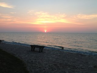 Homey Lakefront Condo In Serene Algoma, WI, A Stone's Throw From Door County