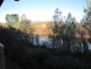 Lovely Two Bedroom Townhouse Apartment Overlooking Sacramento River And Trail