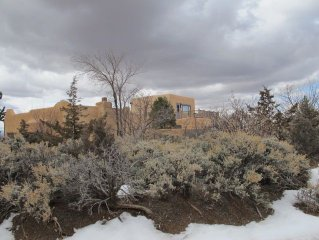 Two Story Adobe Home with Tipi: 4 Bedrooms Sleeps 13  plus rollawaybed