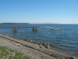 Lovely Shorefront Cabin with Dock, Beach & Great Views