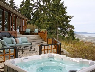 Stunning Ocean View from Your Private Hot Tub, Qualicum Bay
