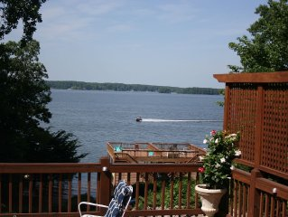 Main Lakefront Family House with Sandy Beach and Boat Launch Nearby Dog Friendly