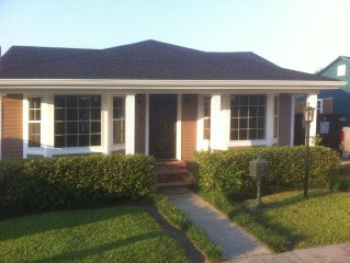 YOUR HOME AWAY FROM HOME!! LESS THAN 7 MILES FROM MAJOR NEW ORLEANS ATTRACTIONS!