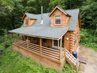 Secluded Log Cabin with Hot Tub - Near Mississippi River