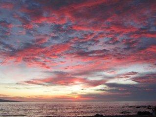 180 Degree Sunset/Moonset Oceanview Maui Best Swimming Beach