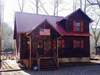 ELLIJAY Coosawattee ON RIVER  Cabin UPDATED Hot Tub Fire Pit Tubing Flat Lot FUN
