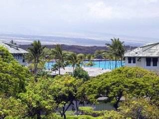 * Ocean View * Wrap-Around Lanai * Walk to Shops & Dining * 100+ 5 Star Reviews