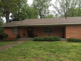 Retro Rental, pet friendly, close to the university, downtown, and bike trails