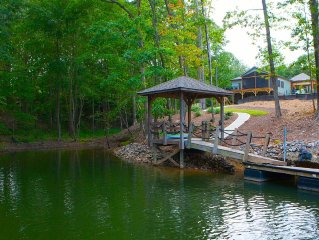 Waterfront Home has it all! (Pontoon Boat Available)