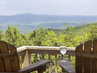 Sky-High Mountain-Top Home W/Awesome View * Near Ski & Major Attractions