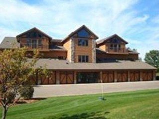 Can't Miss! Beautiful 4 bedroom condo/Northern Bay Golf Resort/Casle Rock Lake