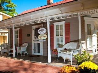 The Best Historic District Victorian Cottage in Eureka Springs
