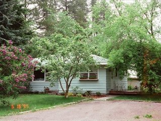 Coram Cottage-Glacier National Park2BR,1BA 5 Min. from Park