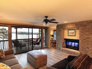 Oaklawn Racing Season with Spectacular Lakefront View, Remodeled 3 bed 3 bath
