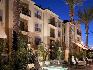 A Luxurious Resort Style Condo at Heart of Irvine