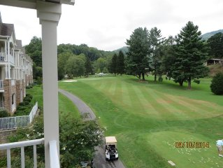 Fantastic views of Golf Course and Mountains From This 3 BR Condo