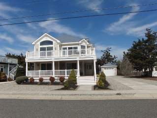 Large Shore Home Close to the Beach!