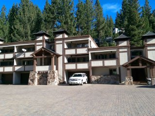 Squaw Valley Condo close to EVERYTHING! The Village, hiking, biking, ski lifts!