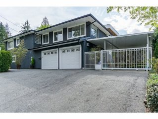 Fully Furnished House In Burnaby Deer Lake Park