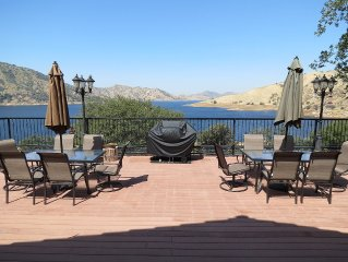 Large Family Property With Million Dollar Views Across from Lake Kaweah!