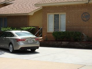Quality Townhouse Less than 10 Minutes from Texas Tech