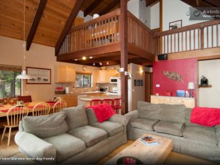 Winter Midweek Stays only $400/nt. 20 Min to Squaw & Alpine, Hot Tub, Dogs OK