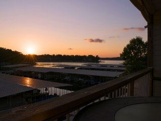 *FREE NIGHT* Ledges Lakefront 2BR Condo! Walk-In Unit w/ WiFi.