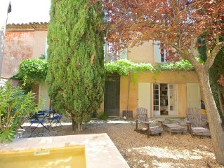 House close to Roussillon, Luberon, Provence pet friendly ,splasch pool