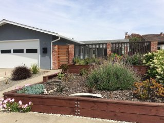 Alameda 3 bedroom beach house, family-friendly, modern and clean