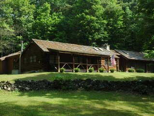 Awesome Log Cabin all Seasons Hideaway (Enjoy Summer in the mountains)